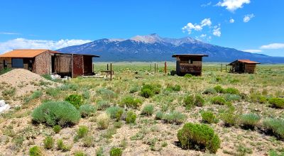 Mountain views 5 acres with several structures - Handy Man  fixer uppers
