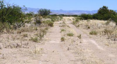 Mobiles Modulars ok.  1/2 acre Sunny Arizona desert land