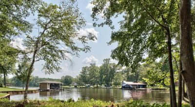 .48 ac Lakefront Property on Lake Sinclair - Private! Adjoining Lot Will Never Be Developed!