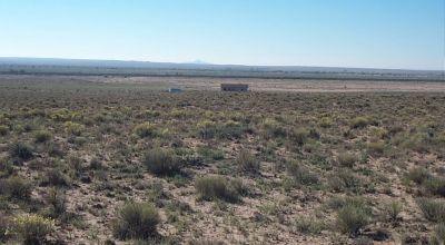 Large 2.5 acre parcel near Petrified Forest & Painted Desert
